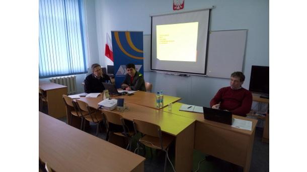 Як писати про адміністративну реформу та децентралізацію (Маріуполь 9-10 квітня 2015 року)