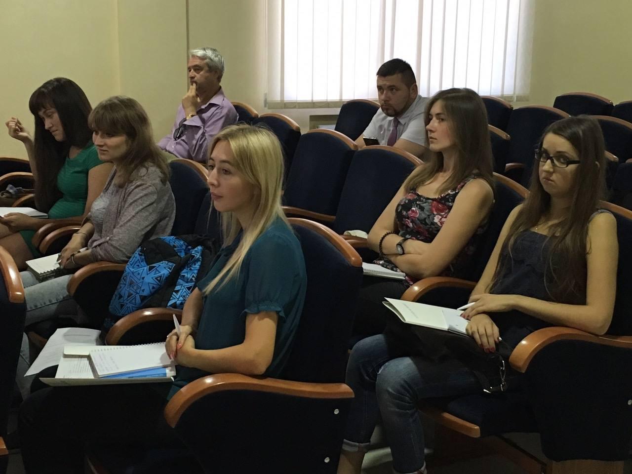 Актуальні теми щодо висвітлення конфліктів порушили на тренінгу для журналістів у Вінниці