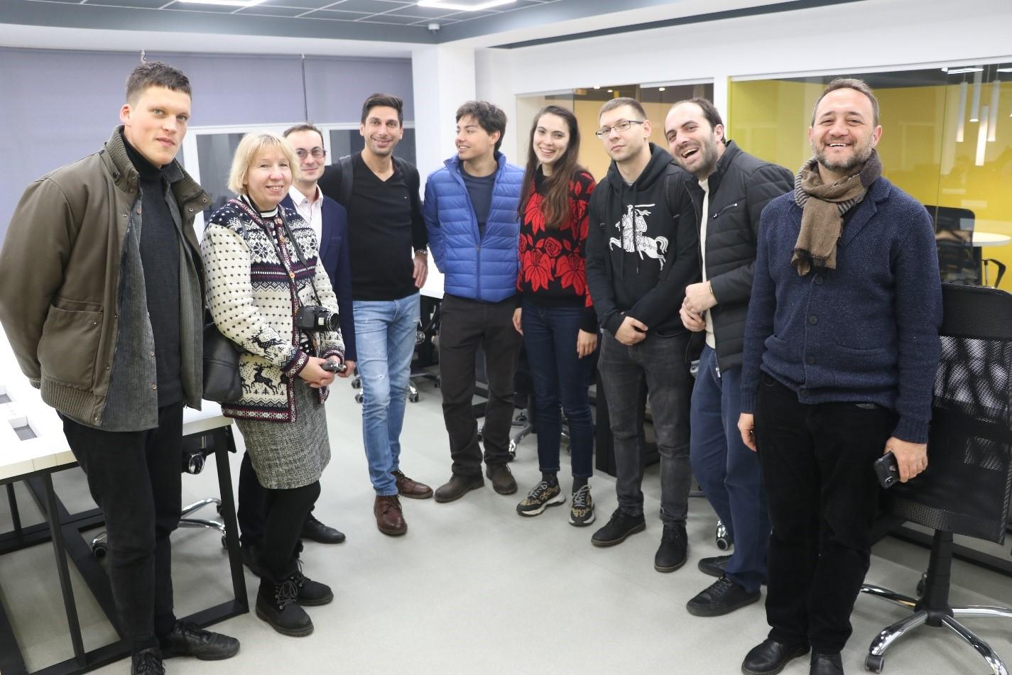 Ще одна група закордонних журналістів ознайомилася з реаліями українського життя